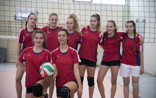 Dziewczęta wygrały gminny turniej piłki siatkowej